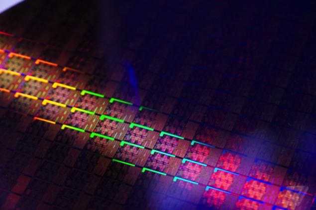 Intel sẽ ra mắt các chip đa dụng Coffee Lake 6 lõi trong 2018-4