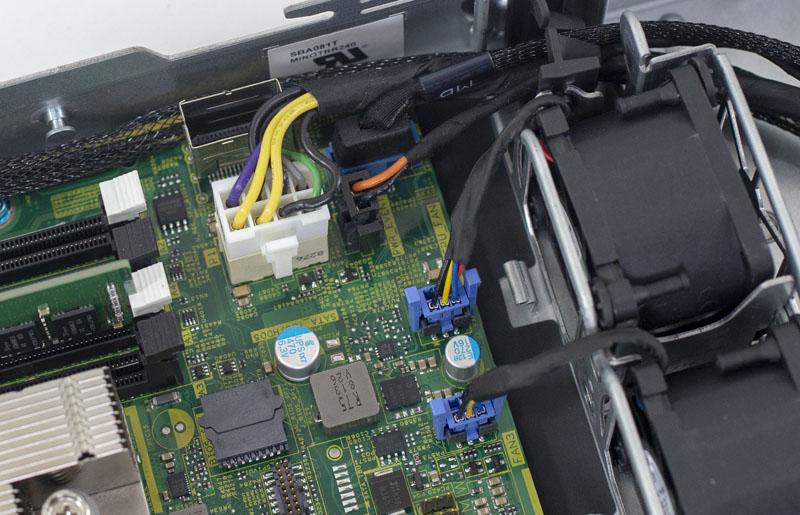 [Review] Đánh giá máy chủ Dell EMC PowerEdge R240-11